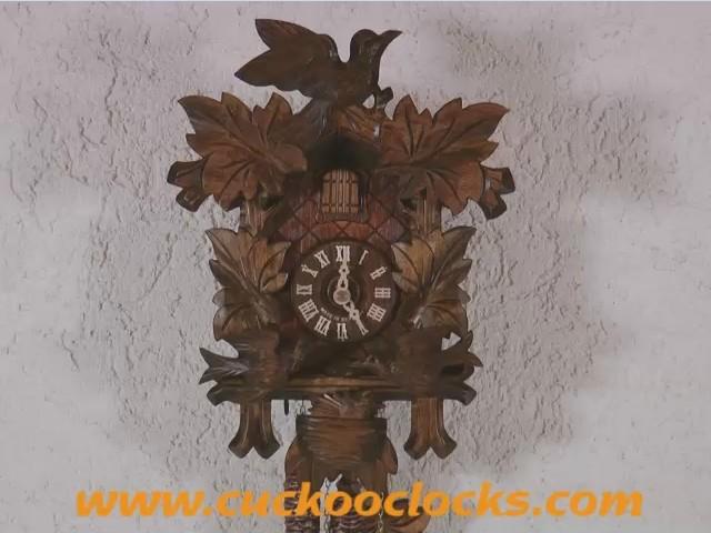 Reloj cucú<br>4 follajes, pájaro que se balancea, nido 1.0074.01.C