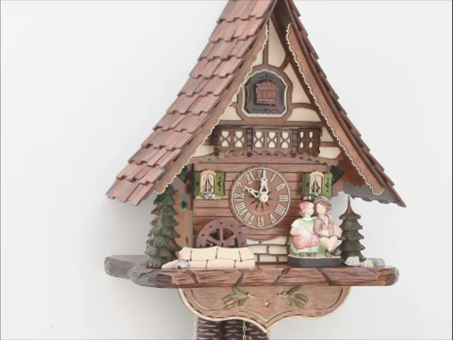 Cuckoo Clock<br>moveable kissing Couple